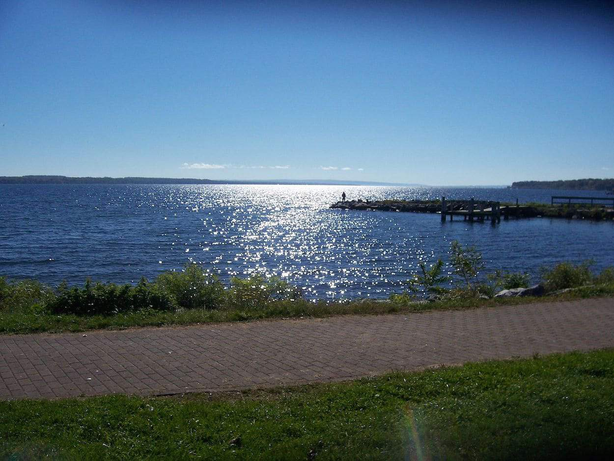 Seneca lake real estate lake to lake real estate for Lake house property